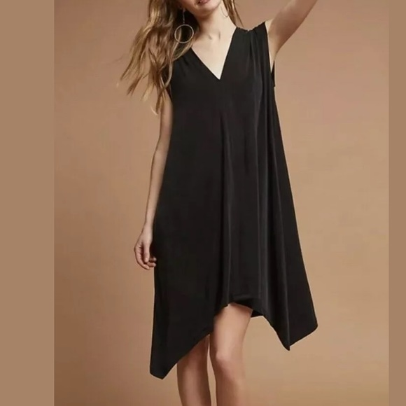 Anthropologie Dresses & Skirts - Anthro ERI + ALI Briella Tunic Dress Black vneck